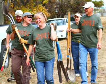 H.B. Fuller volunteers at nature preserve for Make a Difference campaign